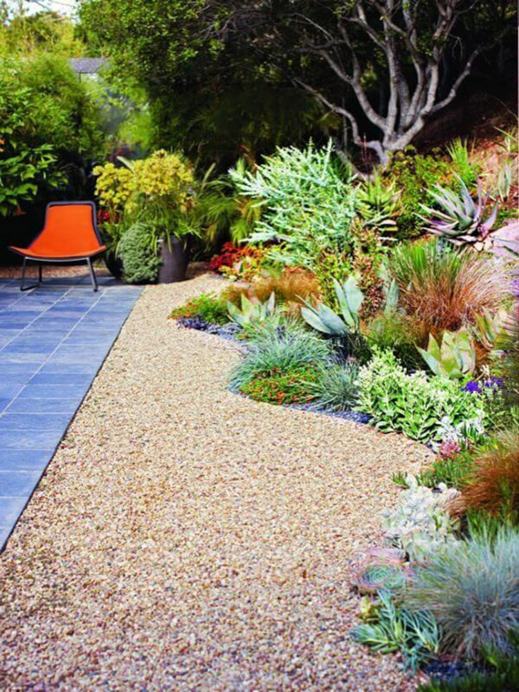 11-flower-bed-ideas-homebnc