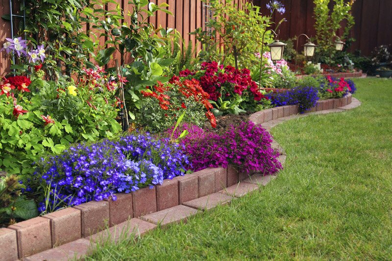 7-FlowerBed-Ideas.