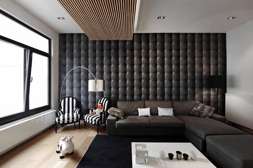 Панель в гостиной