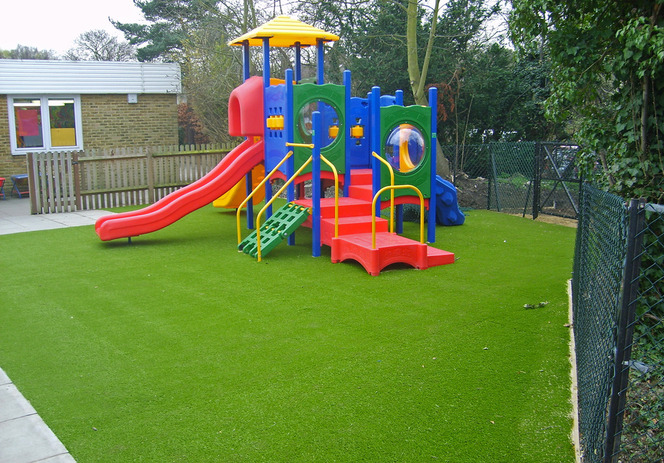 Искусственное покрытие детской площадки