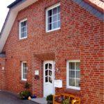 Монтаж фасадных панелей — как правильно крепить цокольный сайдинг?